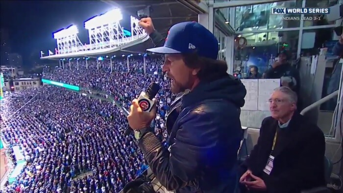 eddie-vedder-chicago-cubs